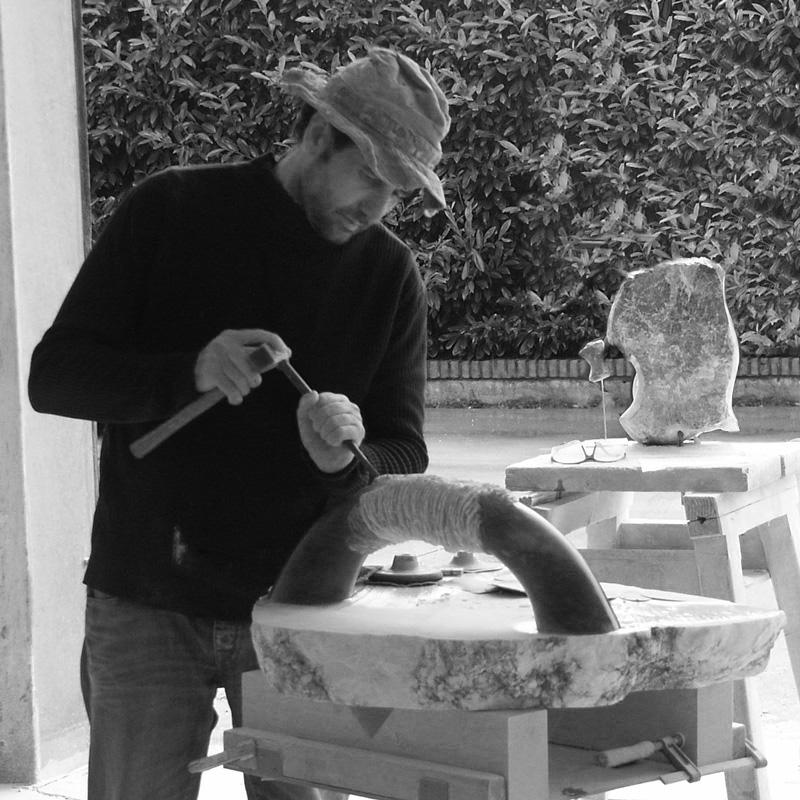 Angelo Moyano aan het werk